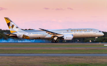A6-BLD - Etihad Airways Boeing 787-9 Dreamliner