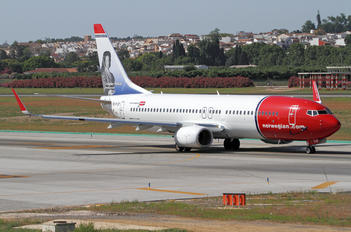 EI-FJZ - Norwegian Air International Boeing 737-800