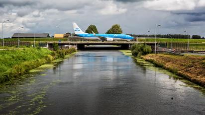 PH-HSE - KLM Boeing 737-800