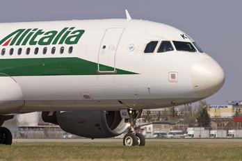 I-BIKD - Alitalia Airbus A320