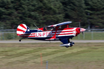 LN-PTS - Private Pitts S-2B Special