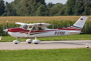 D-EVDE - Private Cessna 182 Skylane (all models except RG)