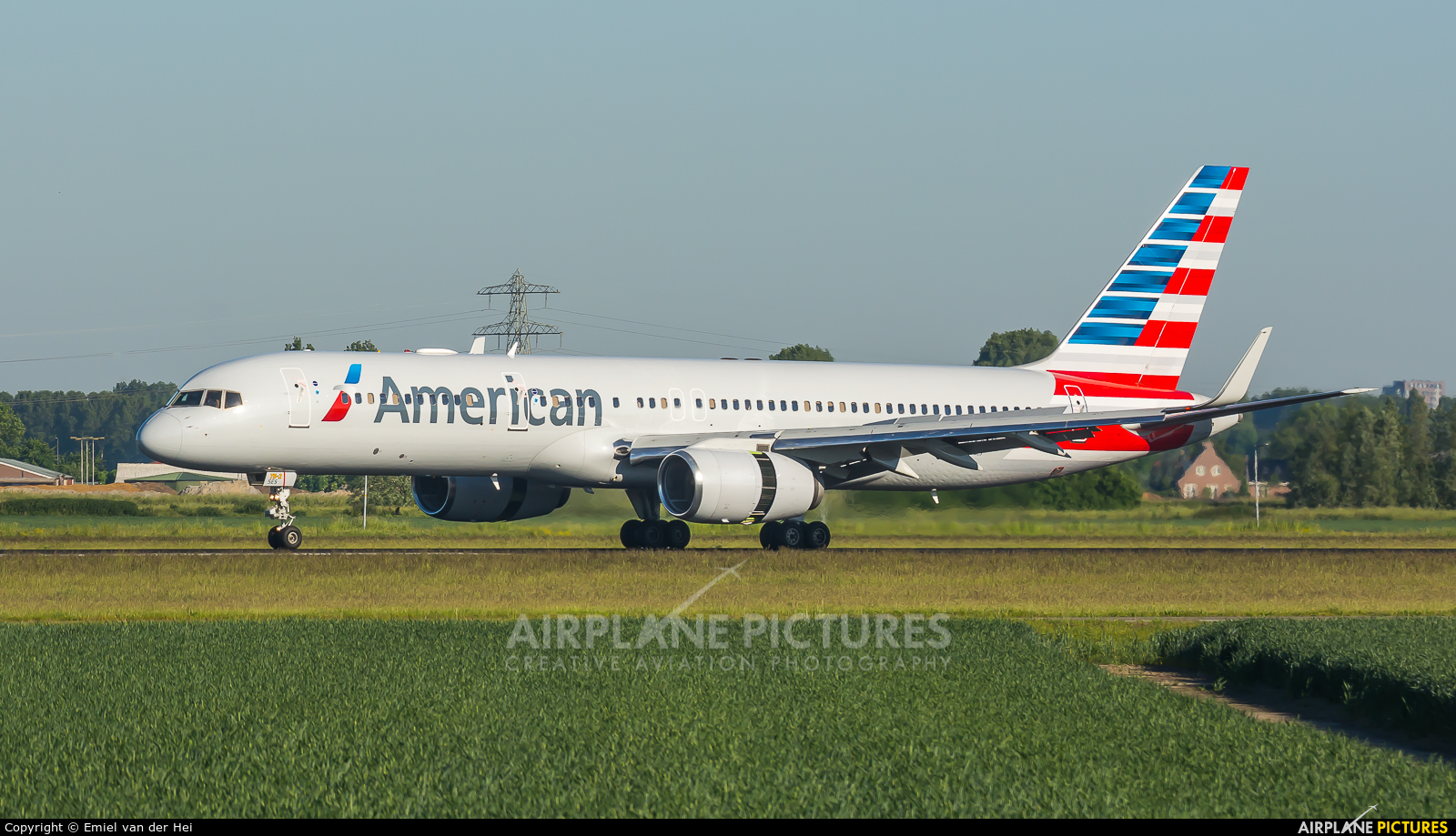 American Airlines N184AN aircraft at Amsterdam - Schiphol