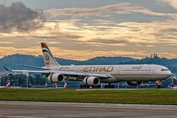 A6-EHL - Etihad Airways Airbus A340-600