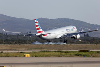 N275AY - American Airlines Airbus A330-300