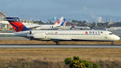 N922AT - Delta Air Lines Boeing 717