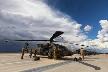 20735 - USA - Army Sikorsky UH-60M Black Hawk