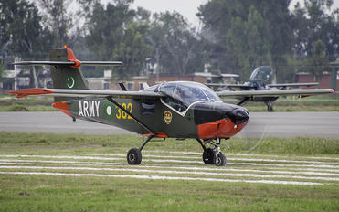 96-5382 - Pakistan - Army SAAB MFI T-17 Supporter