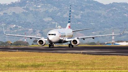 N315PE - American Airlines Boeing 737-800