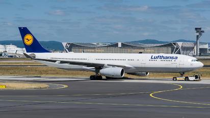 D-AIKM - Lufthansa Airbus A330-300