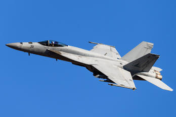 166869 - USA - Navy Boeing F/A-18E Super Hornet