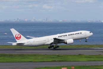 JA8979 - JAL - Japan Airlines Boeing 777-200