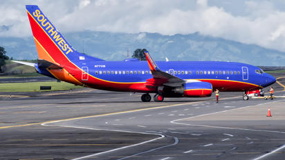 N7701B - Southwest Airlines Boeing 737-700