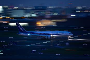 JA8674 - ANA - All Nippon Airways Boeing 767-300