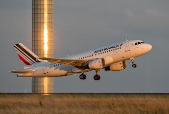 F-GRHK - Air France Airbus A319