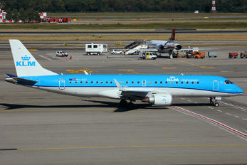 PH-EZL - KLM Cityhopper Embraer ERJ-190 (190-100)