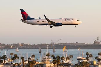 N3736C - Delta Air Lines Boeing 737-800