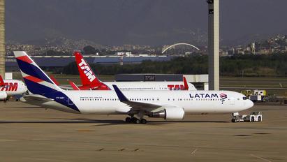 PT-MSY - LATAM Boeing 767-300ER