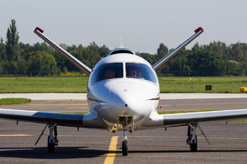 N124MW - Private Cirrus Vision SF50