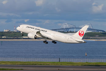 JA832J - JAL - Japan Airlines Boeing 787-8 Dreamliner