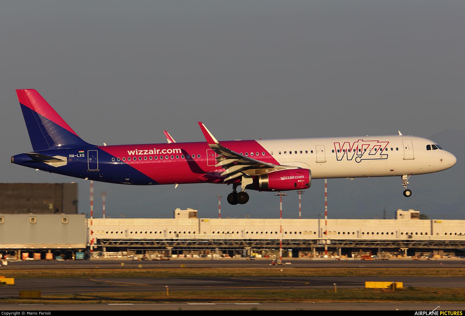 Wizz Air HA-LXS aircraft at Milan - Malpensa
