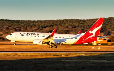 VH-VYD - QANTAS Boeing 737-800