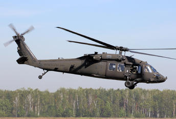 93-26519 - USA - Army Sikorsky H-60L Black hawk