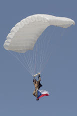 - - Parachute - Airport Overview - People, Pilot