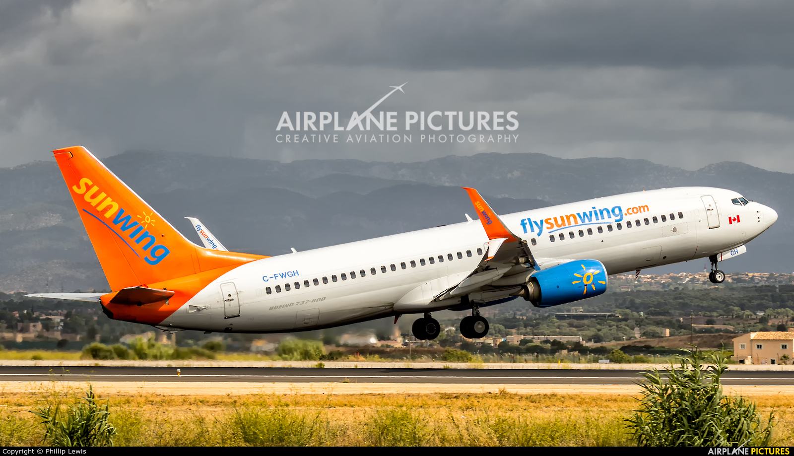 Sunwing Airlines C-FWGH aircraft at Palma de Mallorca