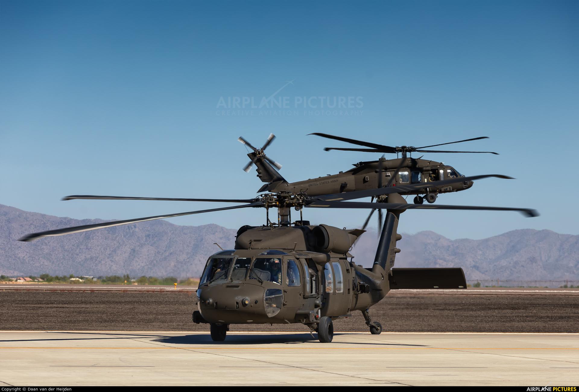 USA - Army 20735 aircraft at Phoenix - Goodyear