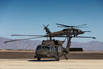 20735 - USA - Army Sikorsky UH-60M Black Hawk