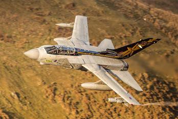 ZA548 - Royal Air Force Panavia Tornado GR.4 / 4A