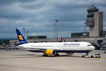 TF-ISW - Icelandair Boeing 767-300ER