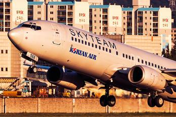 HL7568 - Korean Air Boeing 737-800