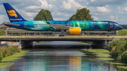 TF-FIU - Icelandair Boeing 757-200WL