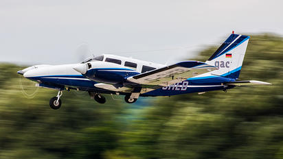 D-GHEB - Private Piper PA-34 Seneca