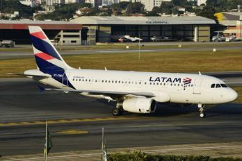PT-TMO - LATAM Brasil Airbus A319