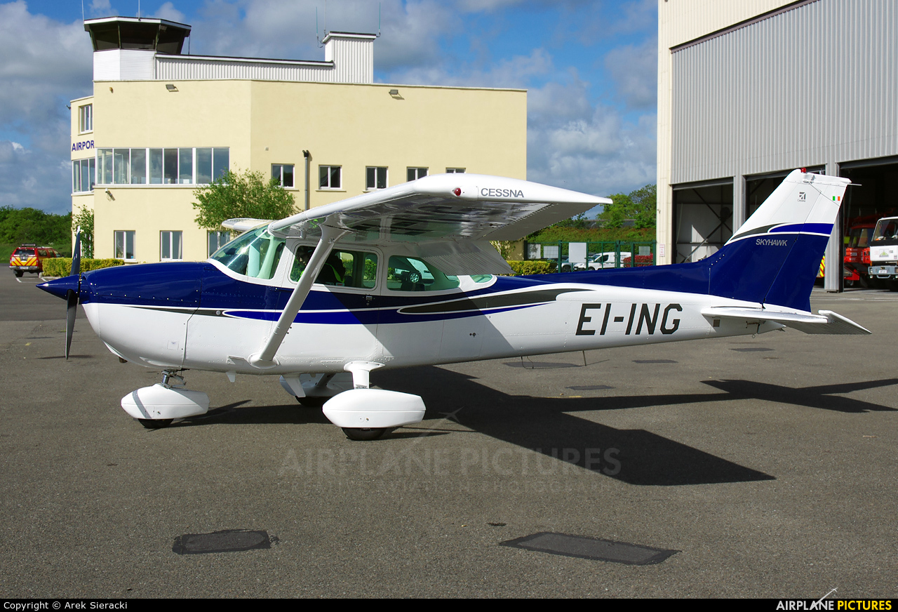 Private EI-ING aircraft at Weston