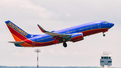 N235WN - Southwest Airlines Boeing 737-700