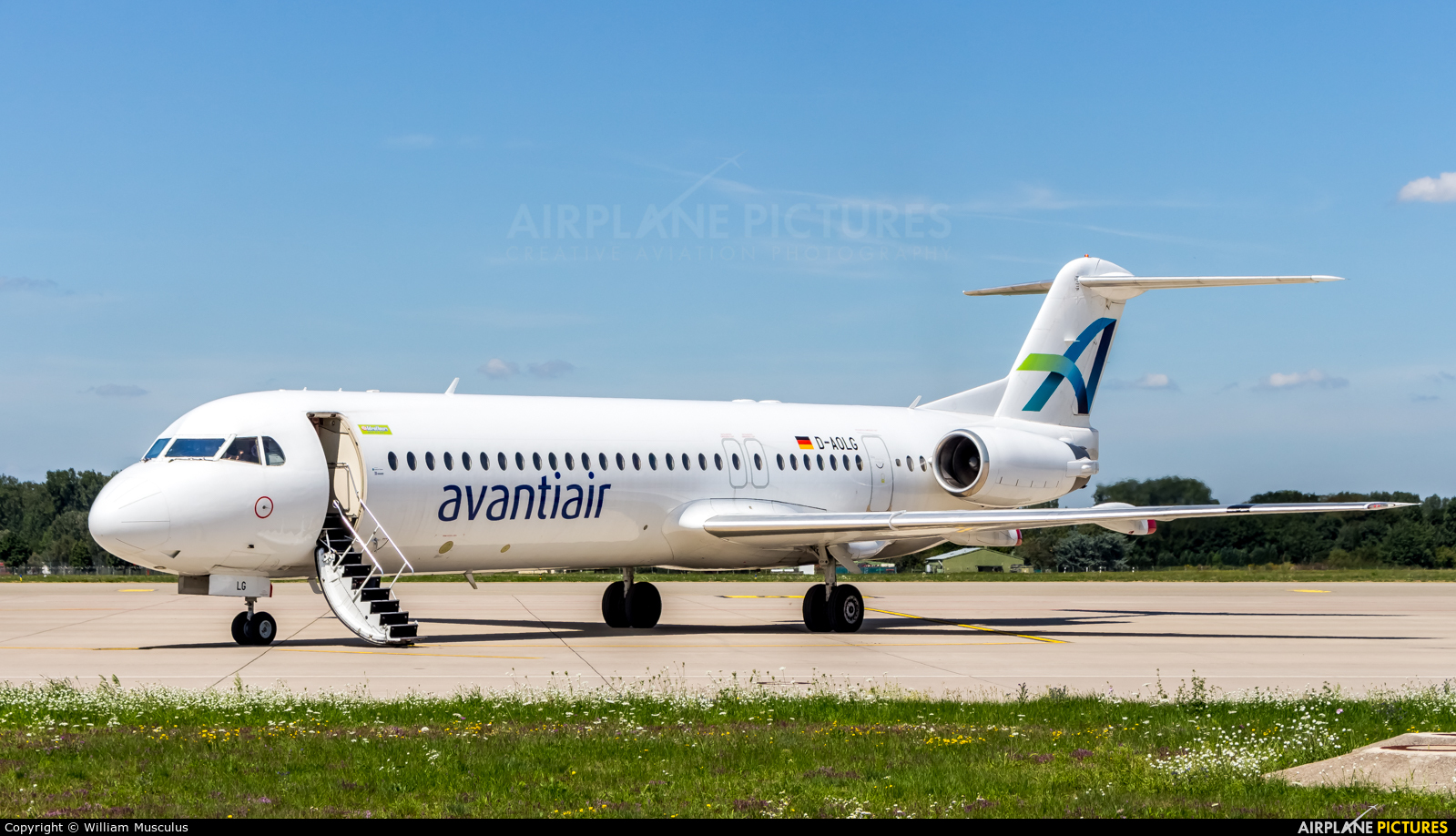 AvantiAir D-AOLG aircraft at Karlsruhe Baden-Baden