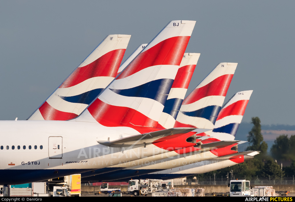 - Airport Overview  aircraft at London - Heathrow