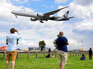 ZK-OKS - Air New Zealand Boeing 777-300ER