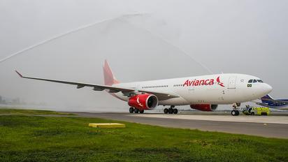 PR-OCG - Avianca Brasil Airbus A330-200