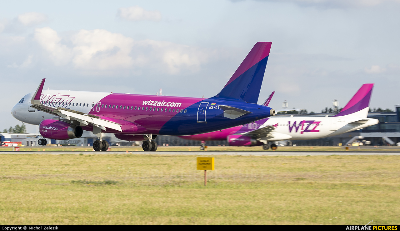 Wizz Air HA-LYS aircraft at Katowice - Pyrzowice