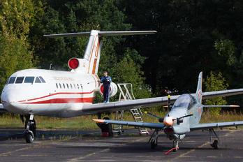 042 - Poland - Air Force Yakovlev Yak-40
