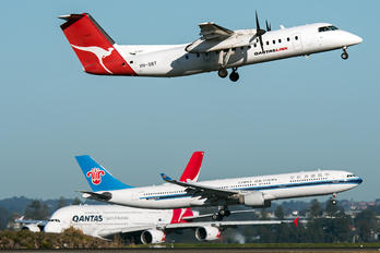 VH-SBT - QantasLink de Havilland Canada DHC-8-300Q Dash 8