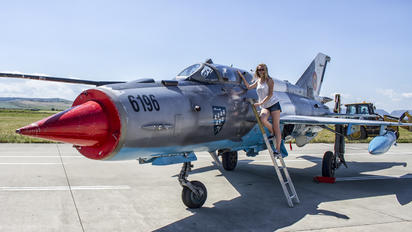 6196 - Romania - Air Force - Aviation Glamour - Model
