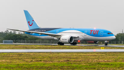 G-TUIE - TUI Airlines UK Boeing 787-8 Dreamliner