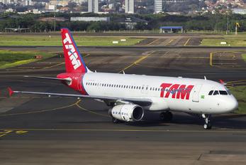 PT-MZT - TAM Airbus A320