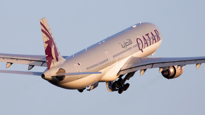 A7-AEM - Qatar Airways Airbus A330-300